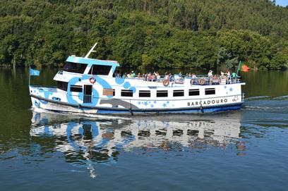 Cerca de 900 crianças viajaram de barco / Foto: Ricardo Vieira Caldas