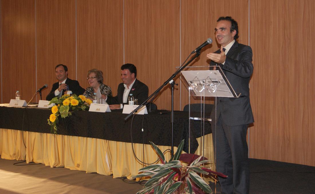 Discurso de Luís Jacob, presidente da Rutis, na cerimónia de inauguração da Universidade Sénior de Rio Tinto / Arquivo Vivacidade