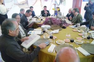 A prova cega reuniu o júri do Concurso Gastronómico de Rojões e Papas de Sarrabulho à Baguim do Monte / Foto: Ricardo Vieira Caldas