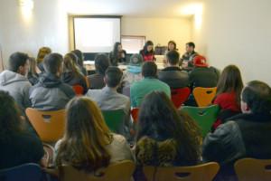 """Os jovens ouviram os """"artistas"""" em mais uma conferência na Casa da Juventude de Rio Tinto / Foto: Pedro Santos Ferreira"""