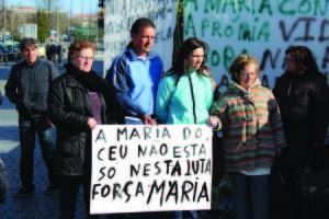 Vigília à porta do Hospital de S. João, no Porto / Direitos Reservados