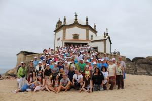 A iniciativa levou mais de 350 idosos à praia, alguns pela primeira vez / Foto: Ricardo Vieira Caldas