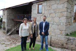 Paula Soares, Sandra Almeida e Hugo Raimundo na Casa da Juventude em Rio Tinto / Foto: PSF