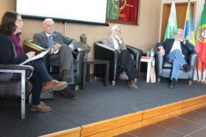 Goreti Teixeira, António Oliveira, Pedro Bacelar Vasconcelos e Augusto Flor, no painel
