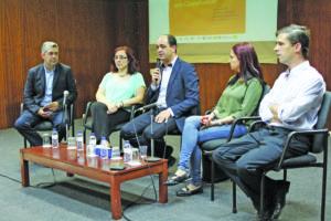Carlos Brás moderou o debate realizado no Centro Cultural de Rio Tinto / Foto: Pedro Santos Ferreira